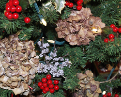 Christmas Decorating Naturally HGTV HOME